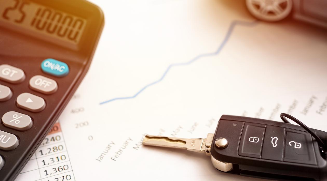 車の維持費ってどのくらいかかるの?安くするコツは?