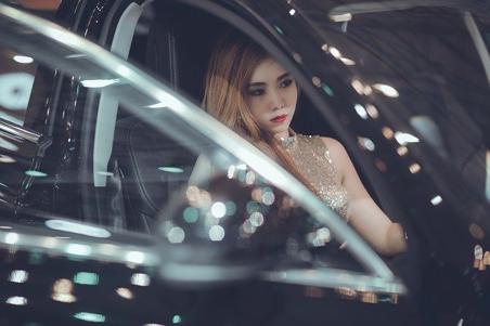 お洒落に車を乗りたい!女性が乗りやすい車の特徴やおすすめ車種を徹底解説!